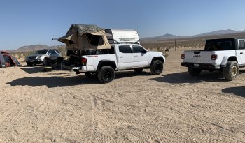 Roof top Tent and Bed rack full